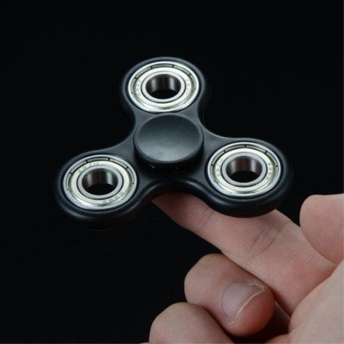 Fidget Spinner 3-Siipinen Xosoy Musta Muovi